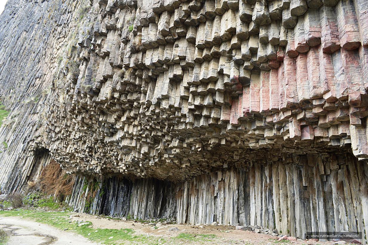The symphony of stones